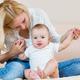 Во сколько месяцев ребёнок начинает сидеть самостоятельно