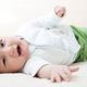 Во сколько месяцев ребенок начинает переворачиваться на живо...