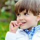 Как ребенка отучить грызть ногти?