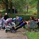 5 простых упражнений на прогулке с коляской для молодой мамы