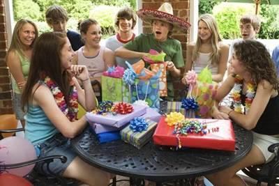 конкурсы на день рождения для девочек 14 лет дома
