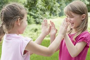 знакомство в играх для слабовидящих детей