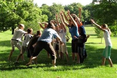 развлекательные игры для детей в лагере, игры на сплочение в лагере