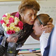Что подарить учителю на День учителя?