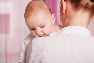 ребенок срыгнул фонтаном, новорожденный срыгивает фонтаном после кормления